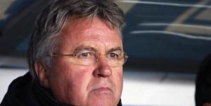 'KNVB gaat Hiddink tijdens evaluatie niet de laan uit sturen'