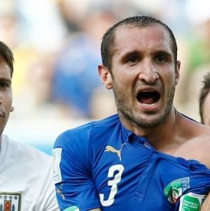 Chiellini over Suarez: 'Ik tref een geweldige spits'