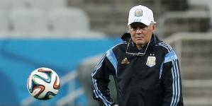 Sabella: 'Robben is goed maar Messi is de beste'