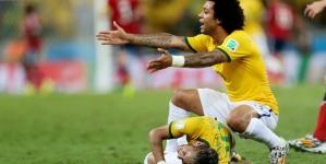 Neymar huilt en dankt god: 'Ik haat Zuniga niet'