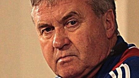 Hiddink doet kennis op bij andere coaches
