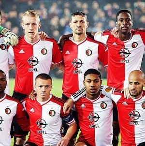 AS Roma knikkert Feyenoord in knotsgek duel uit Europa League
