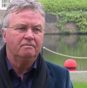 Hiddink houdt kaken stijf op elkaar over bondscoachschap Oranje