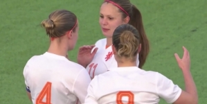 VIDEO | Oranje Leeuwinnen stunten tegen WK-finalist