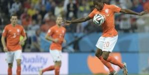 Oranje-spelers balen van kunstgras: 'Het is een beetje vreemd'