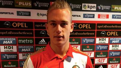Van Bronckhorst blij met jeugdinternational