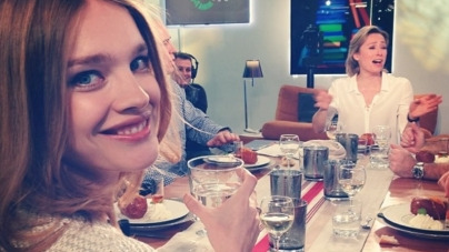 Russisch topmodel Natalia Vodionova host WK-loting