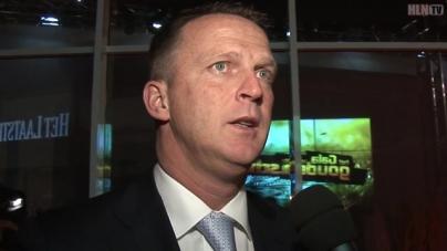 VIDEO | Van den Brom scheldt Kuipers uit: 'Flikker toch op lul!'