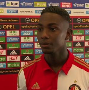 Veel lof voor Feyenoord-aanvaller: 'Hij laat een elftal beter spelen'