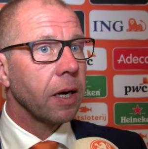 Grim wil 'Klassieker-beleving' zien bij Jong Oranje: 'Voetballen met hartstocht en passie'