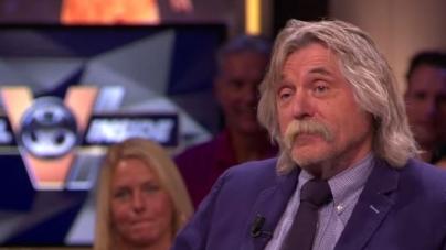Johan Derksen per direct ontslagen bij uitgeverij