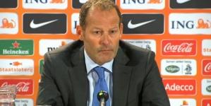 """AD: 'Blind grijpt tegen Wales terug op 'Van Gaal-systeem"""""""