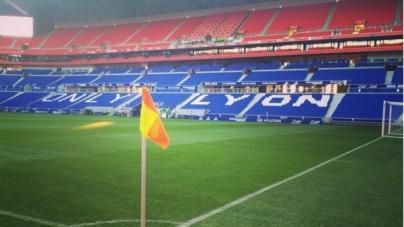 Supporters Olympique Lyon krijgen erotische film voorgeschoteld