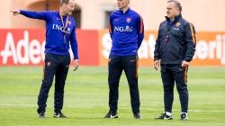 Advocaat verlaat Oranje voor Fenerbahçe